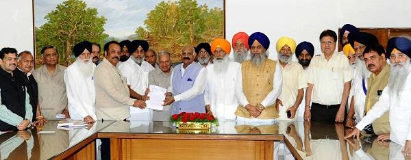 akali bjp joint delegation meets governor