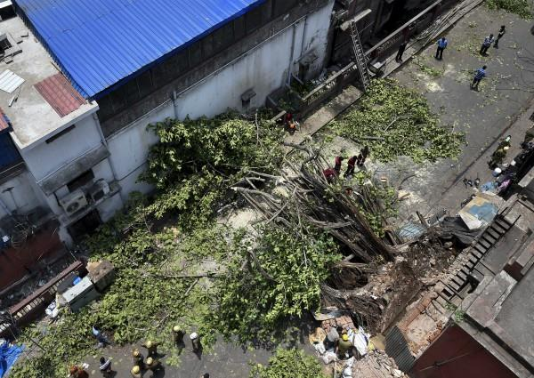 more than 100 people killed in storm hurricanes throughout north india