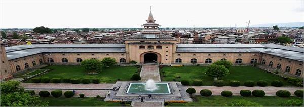 no prayers in jamia masjid kashmir