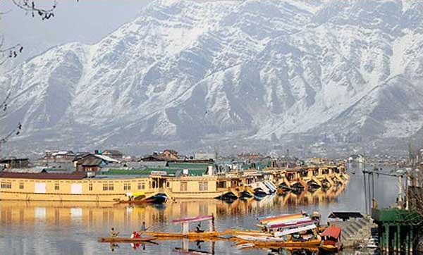 tourism in kashmir can affect with death of tourist