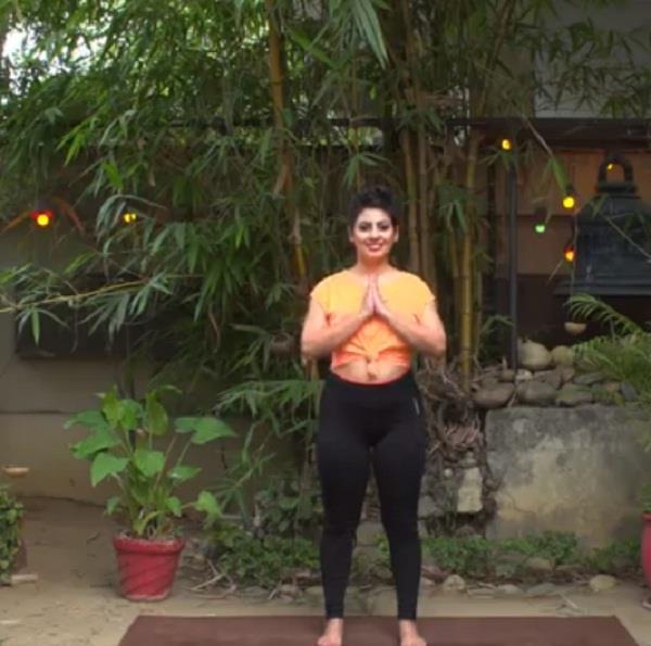 आपके शरीर का पोस्चर सुधारता है ये योग