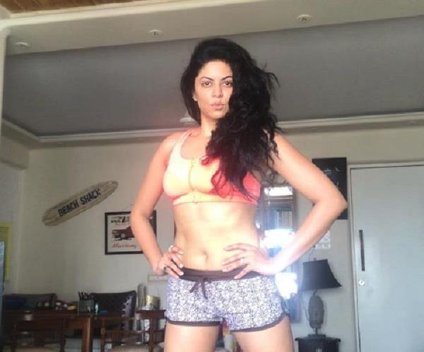 kavita kaushik shares bold picture