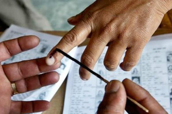 bengal panchayat election people from family challenging each other