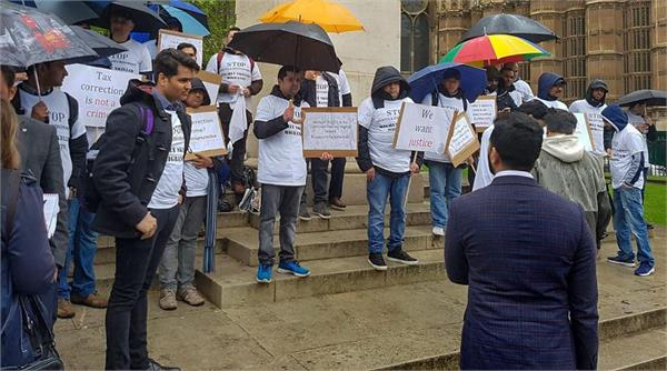 30 000 sign petition in support of indian professionals denied uk visas