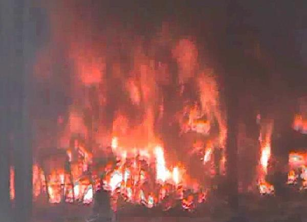 fire in west clothes warehouse loss of millions of rupees