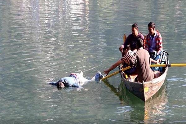 young man jumped into naini lake