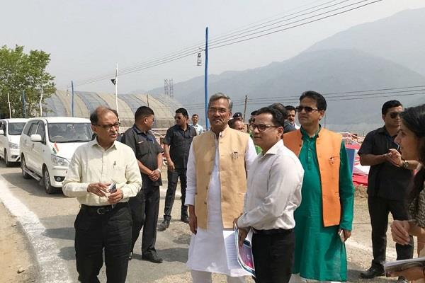 chief minister inspected the preparations for the tehri lake festival