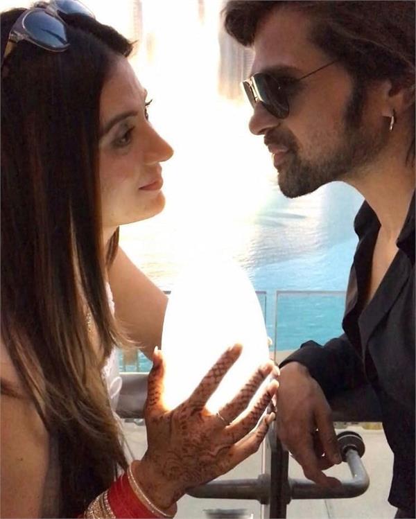 हिमेश ने शेयर की दूसरी पत्नी के साथ हनीमून की कुछ रोमांटिक तस्वीरें