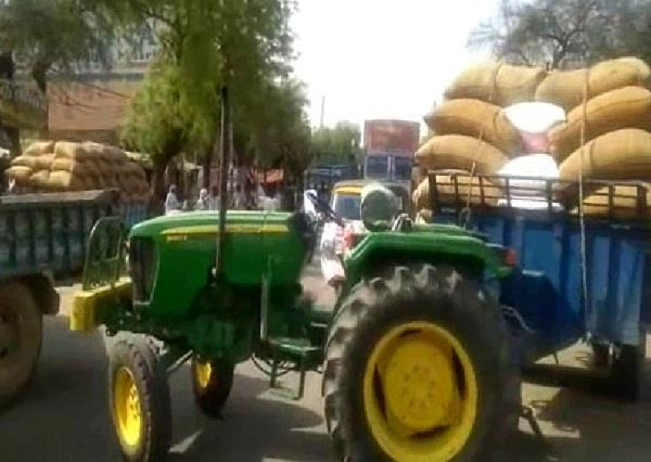 farmers road jam for not purchasing of mustard