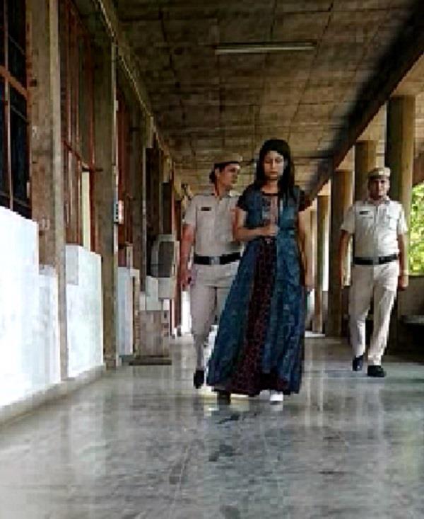 in the false case of honeytrap prsioner women arrested