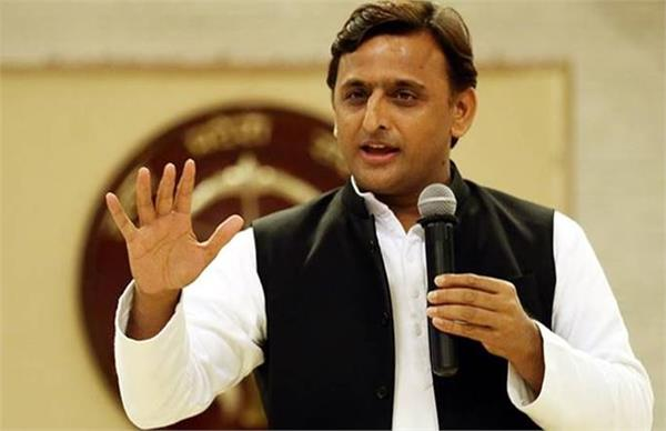 akhilesh attacked the yogi said  the state government