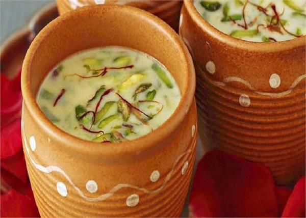 गर्मियों में स्पैशल बना कर पीएं नारियल की ठंडाई