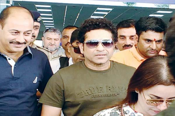 blaster sachin tendulkar arrived in dharamshala