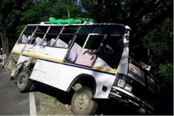 life of 22 devotees survived due to trees along the roadside