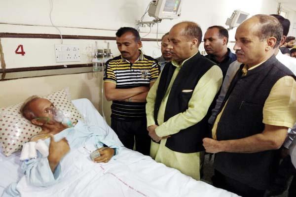 cm jairam arrives at pgi to meet from injured in kasauli firing