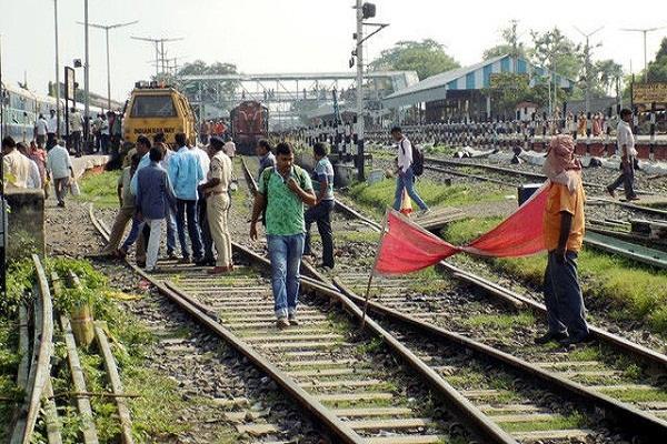 mega block on delhi shamli rail route on 12th may many trains will be affected