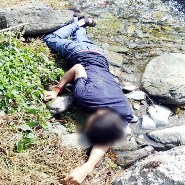 2 deadbody found in yol and dheera