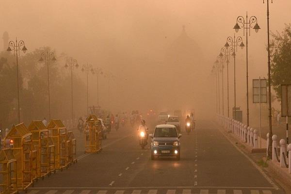 due to a dust storm from western india misty fog in delhi