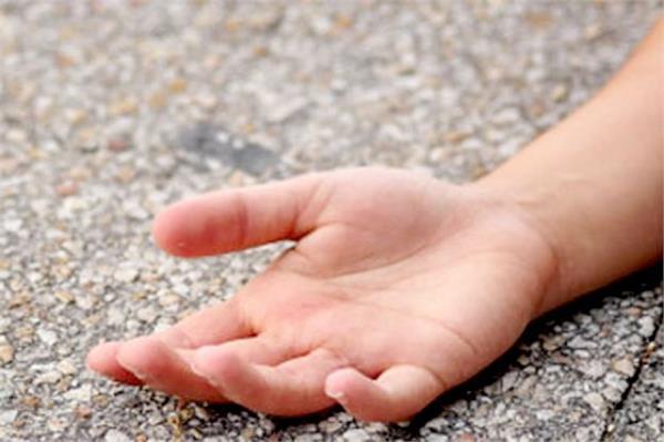 हमीरपुर में दर्दनाक हादसा : पानी का टैंकर पलटने से 10 साल के मासूम की मौत