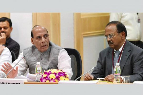 rajnath meets with doval and rawat on amarnath yatra