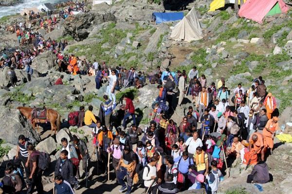 खराब मौसम के कारण जम्मू से अमरनाथ यात्रा स्थगित