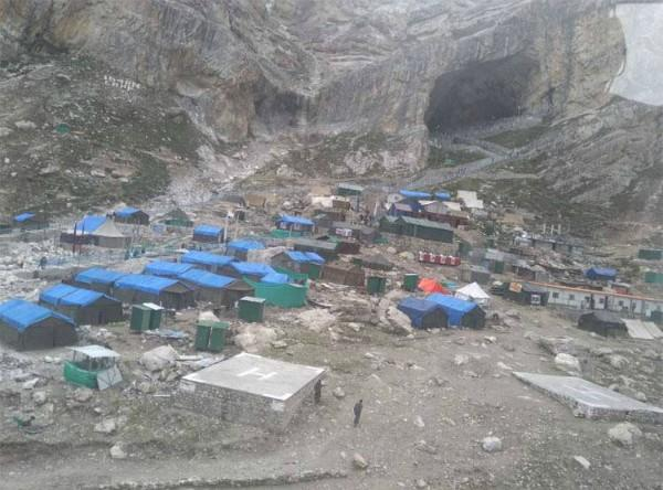 amarnath yatra stopped for the first day due to heavy rains