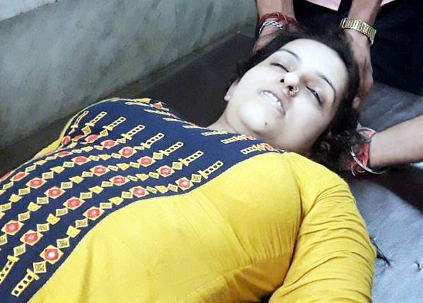 death due to heart failure in the train of a young woman
