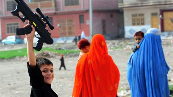 iraqis say no toy guns in bid to celebrate eid