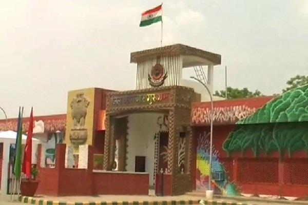 eight mobile phones and simcards found near inmates of bhondsi jail