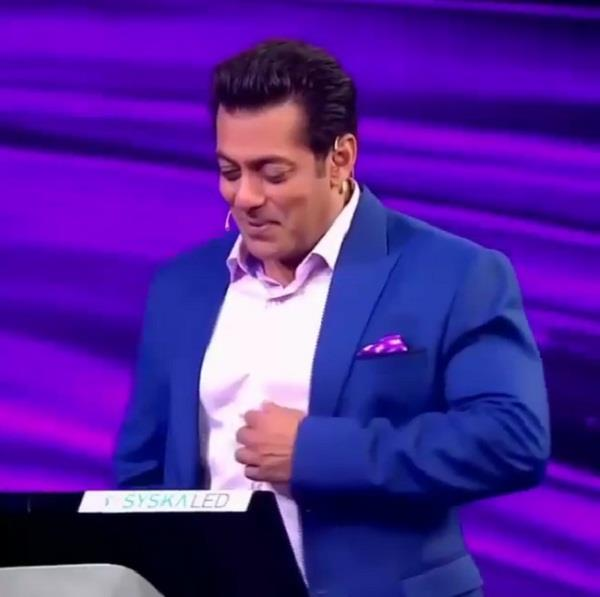 salman khan gets emotional after hearing father message
