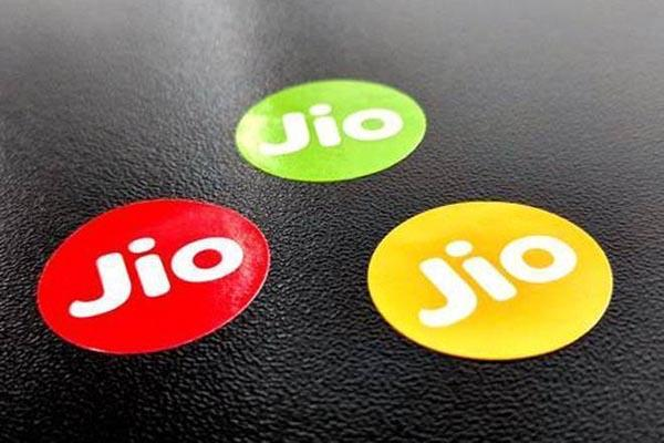 jio overtakes vodafone to become 2nd largest telcom operator