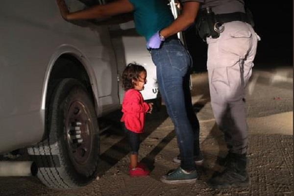 people looking at photos of this girl are not able to stop the trump