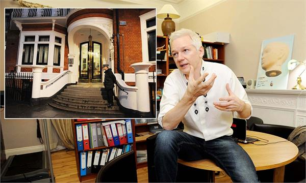 wikileaks julian assange living in 3 6 room from six years