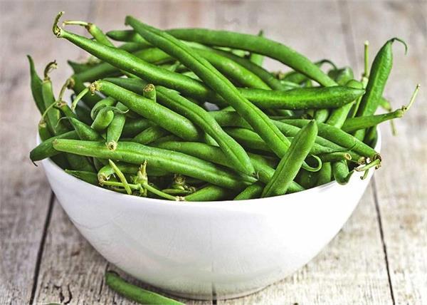 फाइबर और प्रोटीन से भरपूर है ग्रीन बीन्स, जानिए इसे खाने के अनेक फायदे