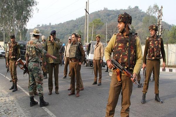 taliban kills 16 jawans engineers and guards kidnapped