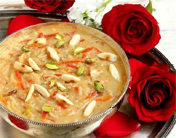 Ramzan Special: मीठे में मेहमानों को खिलाएं सेंवई खीर