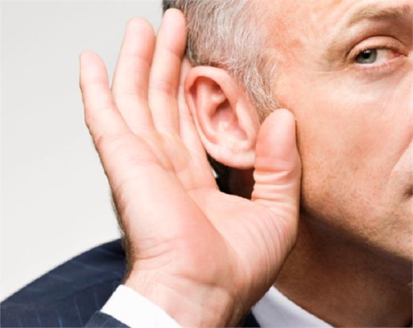 शरीर में इन 3 विटामिन्स की कमी बना सकती है बहरा