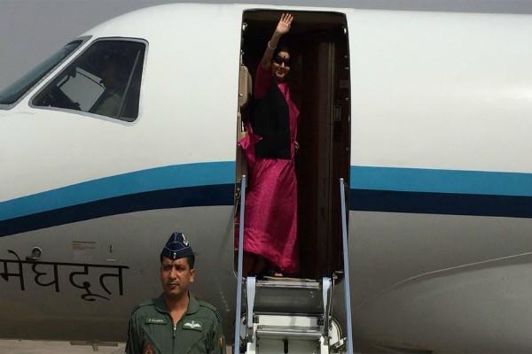 sushma swaraj plane disappeared for 14 minutes