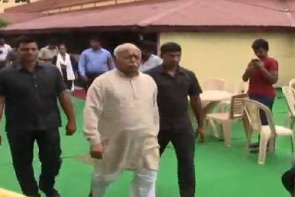 mohan bhagwat reached in the core committee meeting