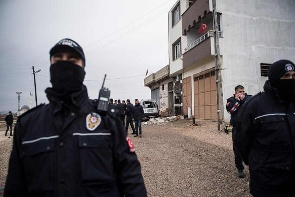 18 suspected militants in turkey detained in police custody