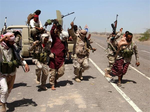 fight between pro government forces and shia rebels 28 deaths