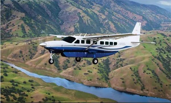 10 killed in plane crash in kenya