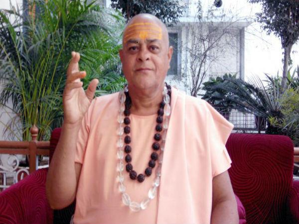madhya pradesh minister s status to swami akhileswaranand
