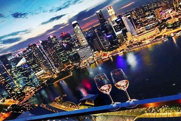 singapore people happy