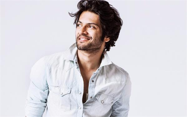 actor ali fazal can join the starcast of bharat movie
