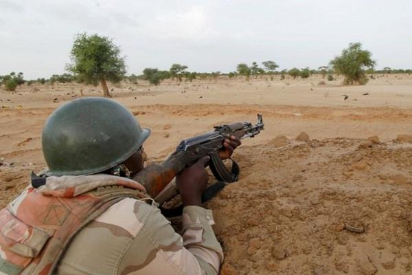 niger 10 people die in suicide bombing in mosque