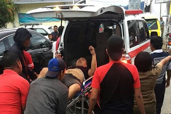 indonesia 1 killed 12 missing in boat ferry accident