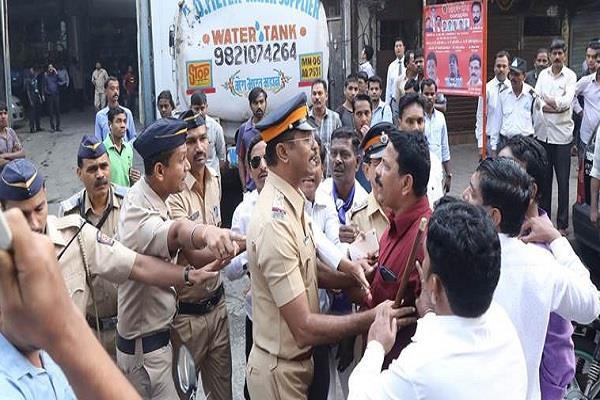 12 policemen injured including ips officer in maratha agitation