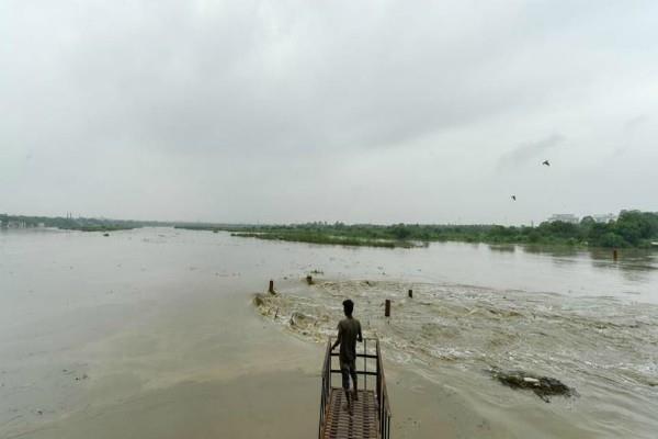 floods from patna to delhi