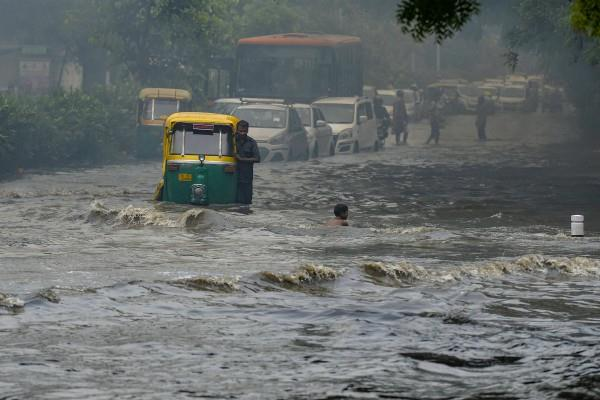 heavy rains in delhi ncr